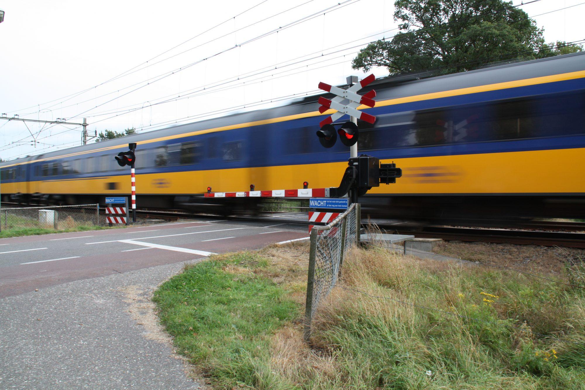 Dode bij aanrijding spoorwegovergang