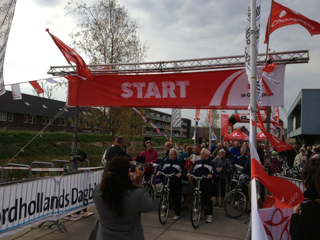 Fiets4daagse door West-Friesland gestart