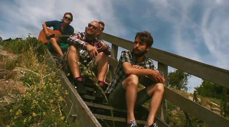 Hoornse band Stuurlui wil landelijke (na)zomerhit [videoclip]