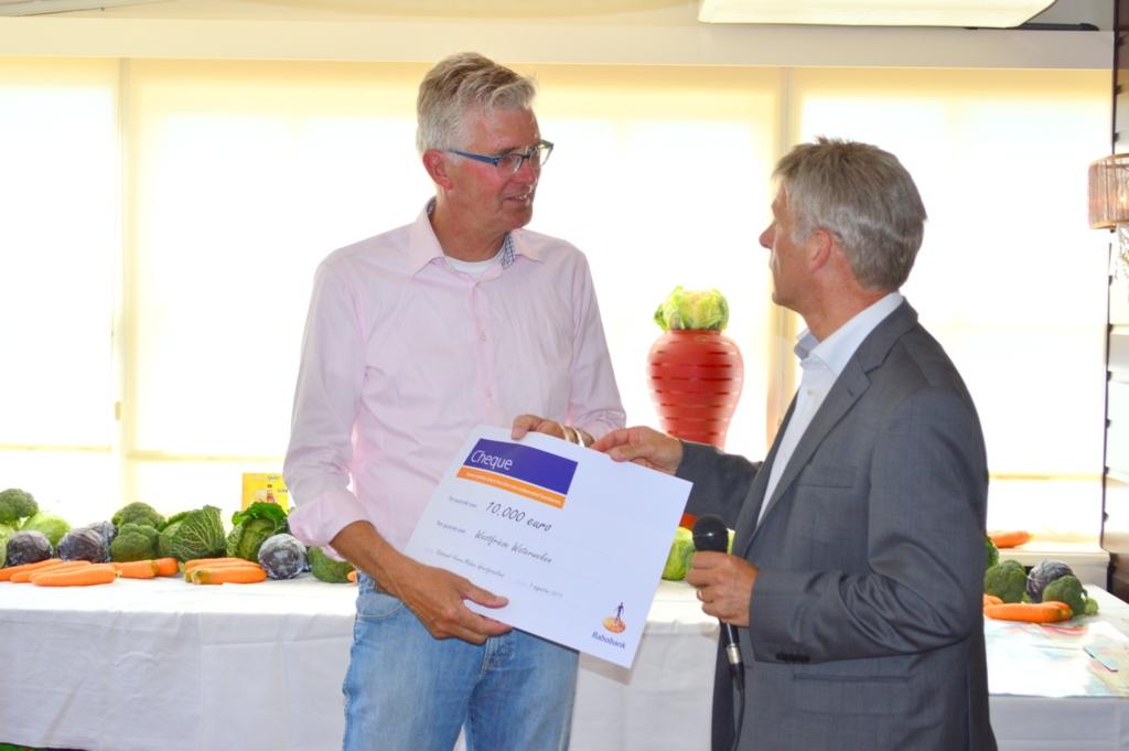 Uitreiking cheque Westfriese Waterweken
