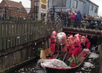 Eerste roze maandag in Lutjebroek