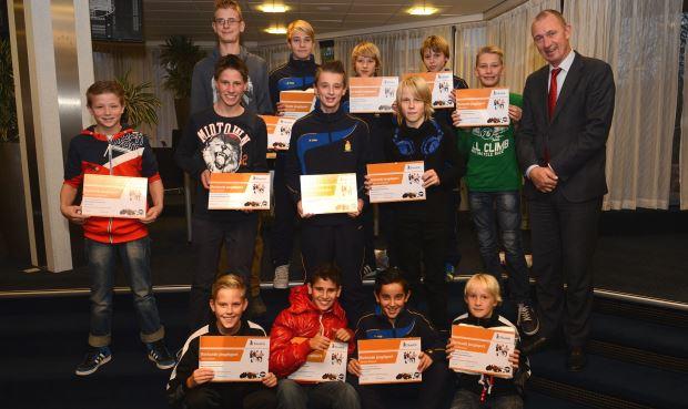 Uitreiking oorkondes voor jeugdsporters Hoorn