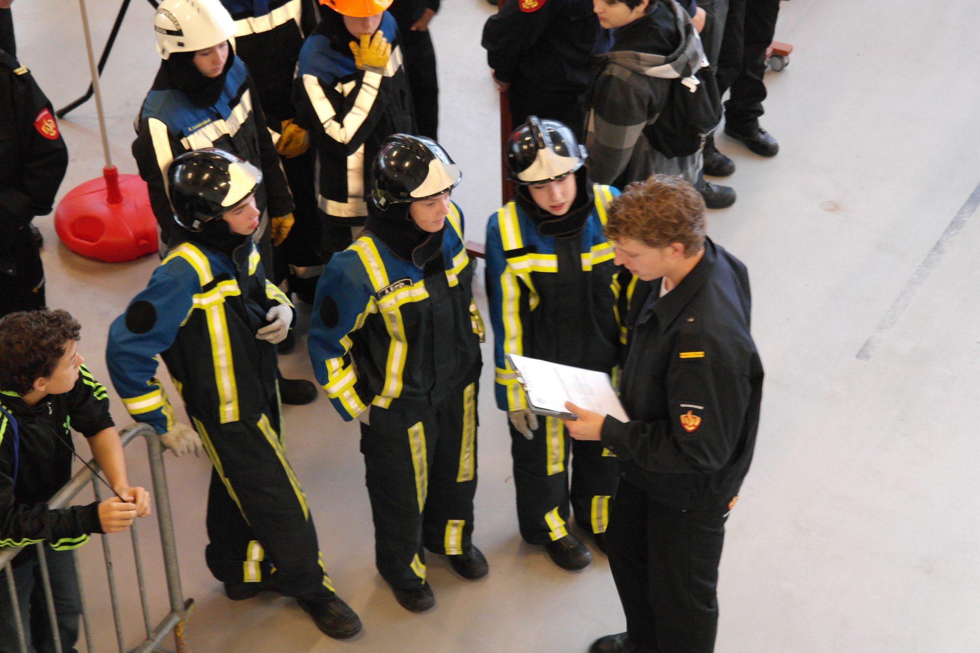 Gezocht: jonge brandweermannen én vrouwen