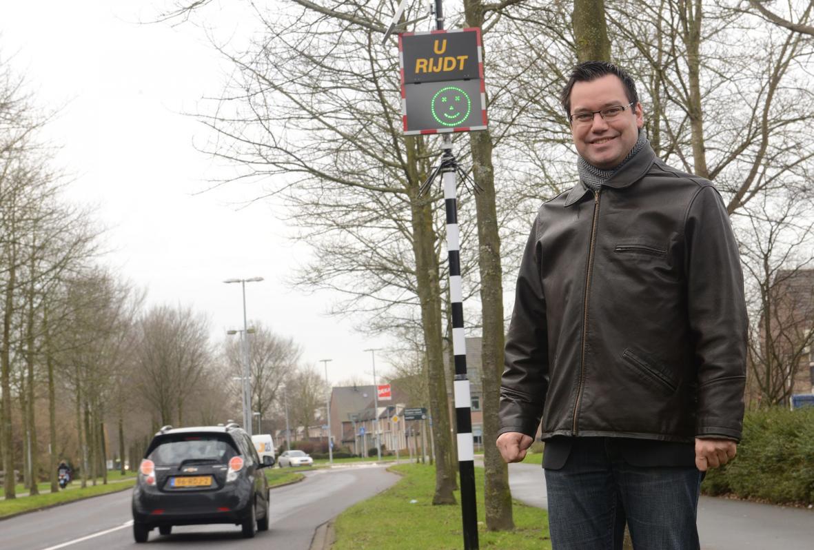 Inzet mobiele snelheidsborden tegen te hard rijden in de wijk