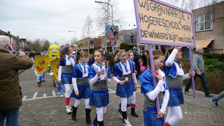 Carnaval Zwaag: Foto's kinderoptocht van zaterdag