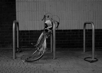 Verwijderen fietswrakken en fietswezen bij NS station Enkhuizen