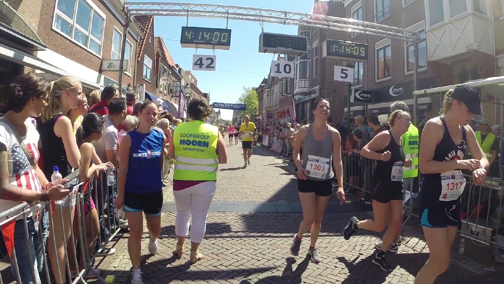 Finish video Hoorn Marathon 14.35 tot 14.48 uur