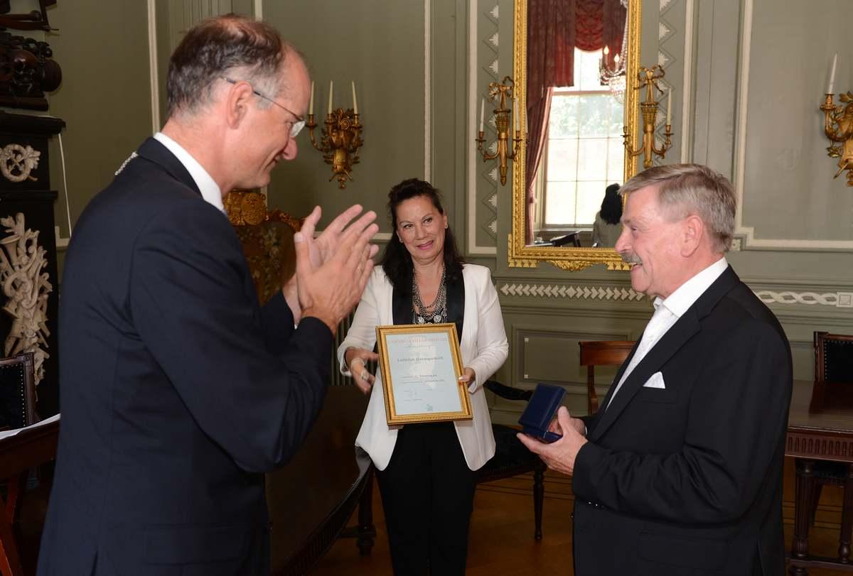 Na 30 jaar bronzen legpenning Carnegie Heldenfonds voor Hoornse redder