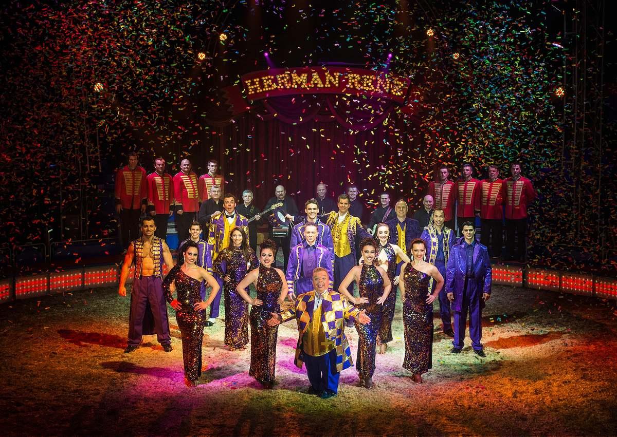 Circus Herman Renz met Miracles naar Hoorn