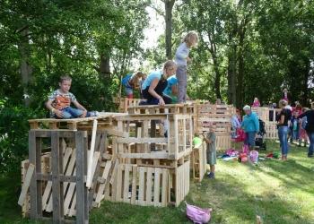 Kinderen uit Zwaag bouwen hun eigen wereldstad [foto's]