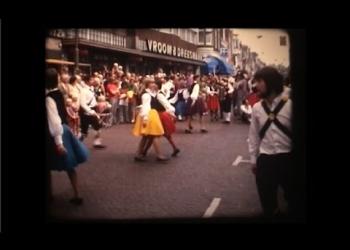 Video: Folklore optocht door centrum Hoorn (1972)