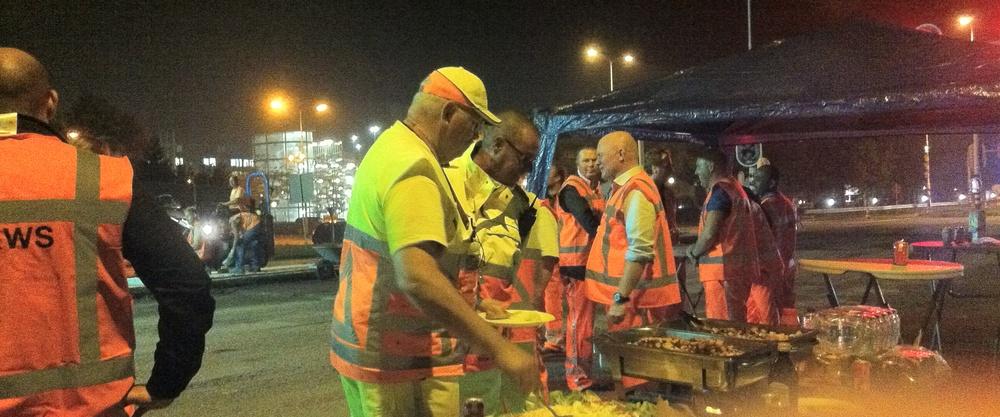 Nachtelijke BBQ voor wegwerkers provincialeweg Hoorn