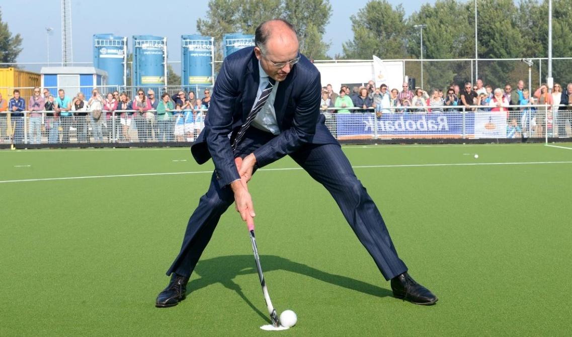Meisjes A1 tournooi start nieuwe velden West-Friese Hockeyclub