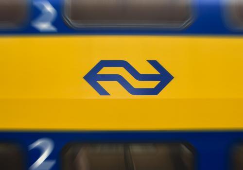 Brand in trein bij Kwadijk; 200 reizigers geëvacueerd (update)