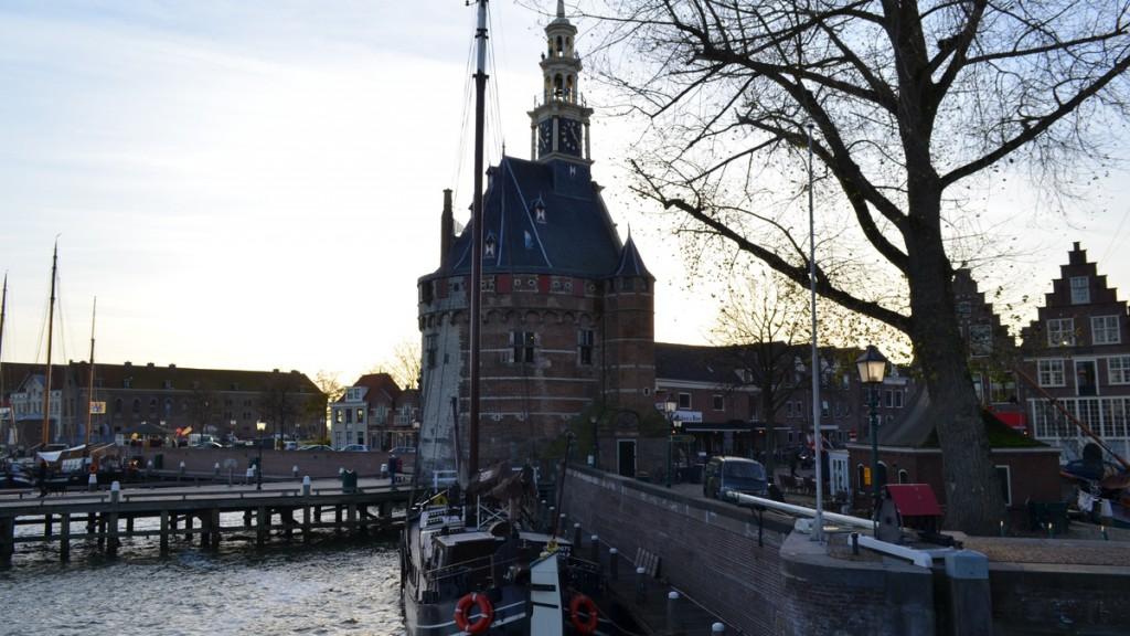 'Investeer in steigers zodat de rederijen Hoorn niet gaan mijden'