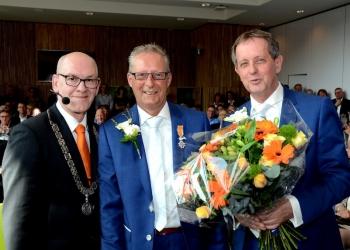 Koninklijke Onderscheiding voor Jan Groot op eigen trouwerij