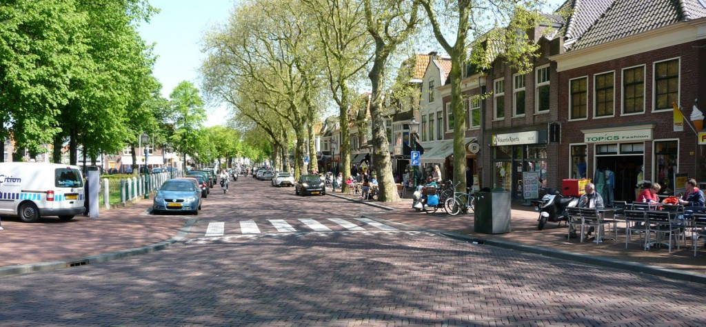 Parkeerdruk Hoorn verlagen: 'Schaf tweede vergunning af'