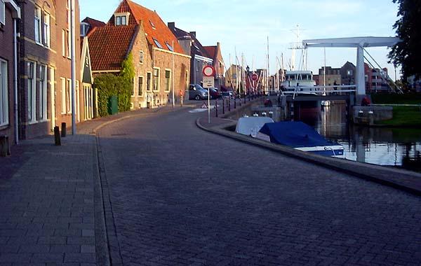 Laatste kans voor wegslepen bootwrakken centrum Hoorn