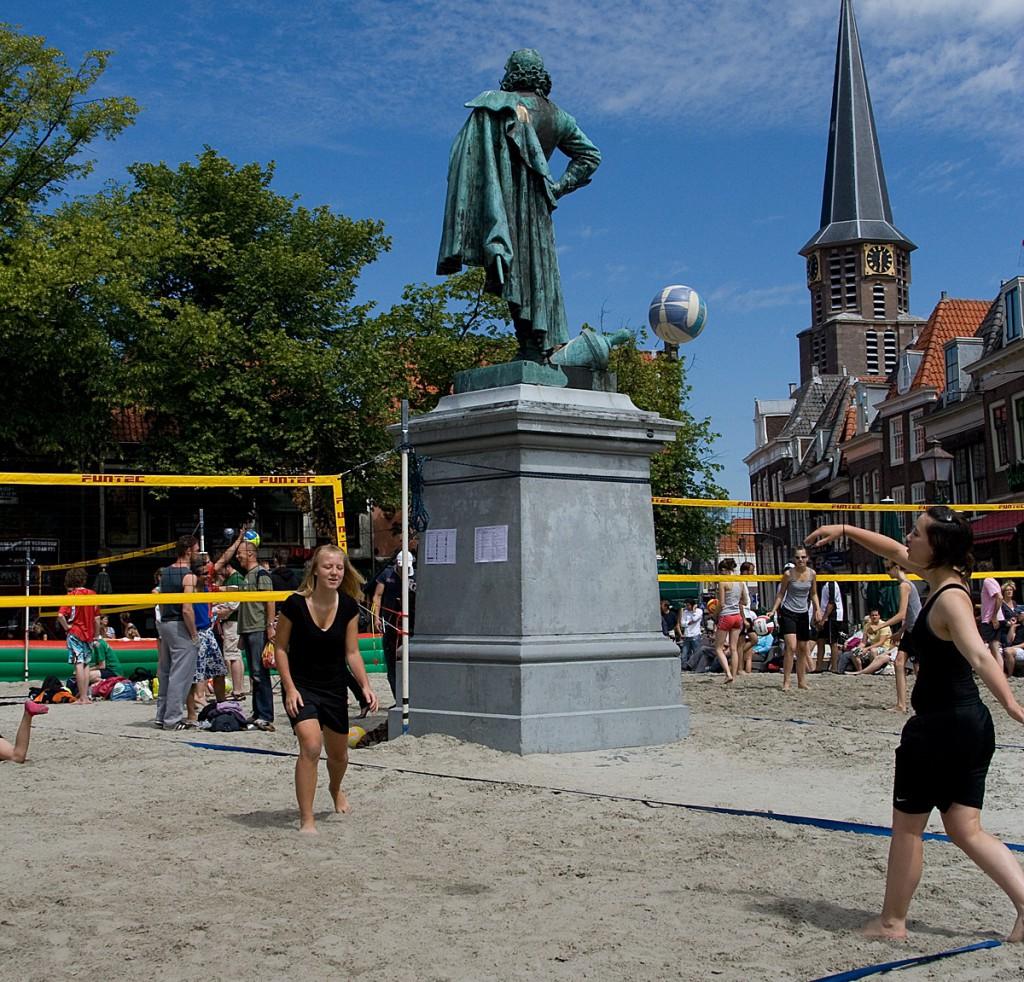 260m3 zand voor Beachvolleybal toernooi op Roode steen