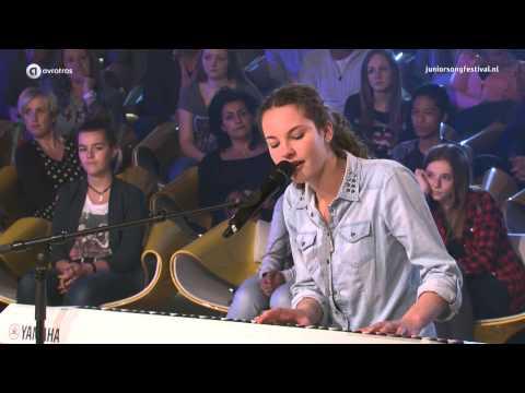 Shalisa (15) uit Wognum finalist Junior Songfestival 2015