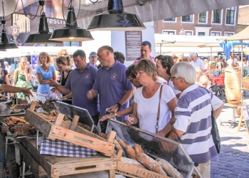 Zondag 26 juli: Shoppen en 'het water op' in binnenstad Hoorn