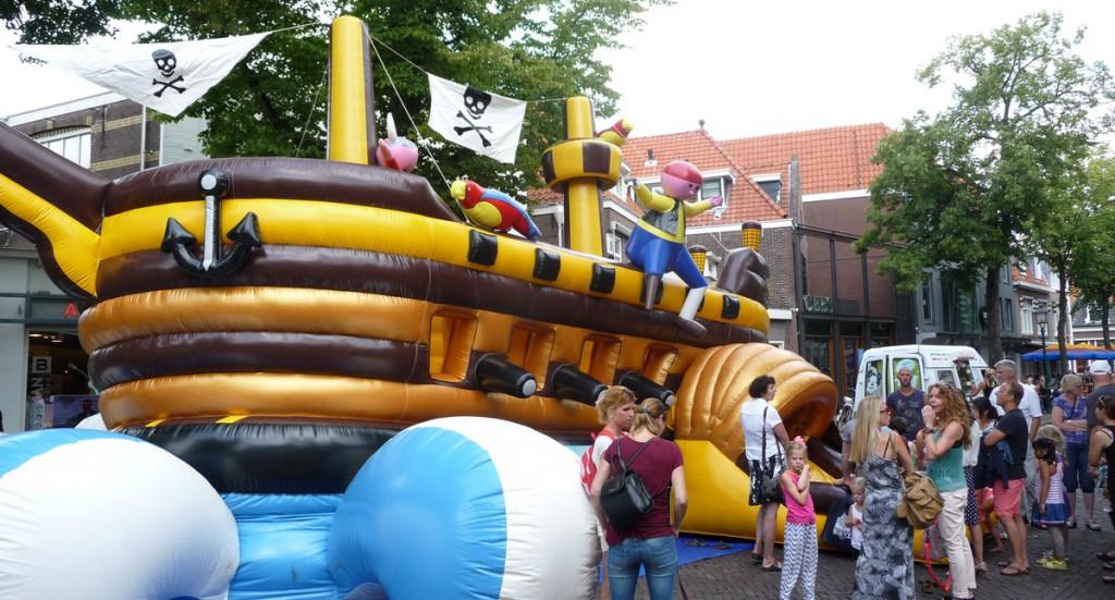 Arrr.. binnenstad Hoorn vol met kleine piraten [+foto's]