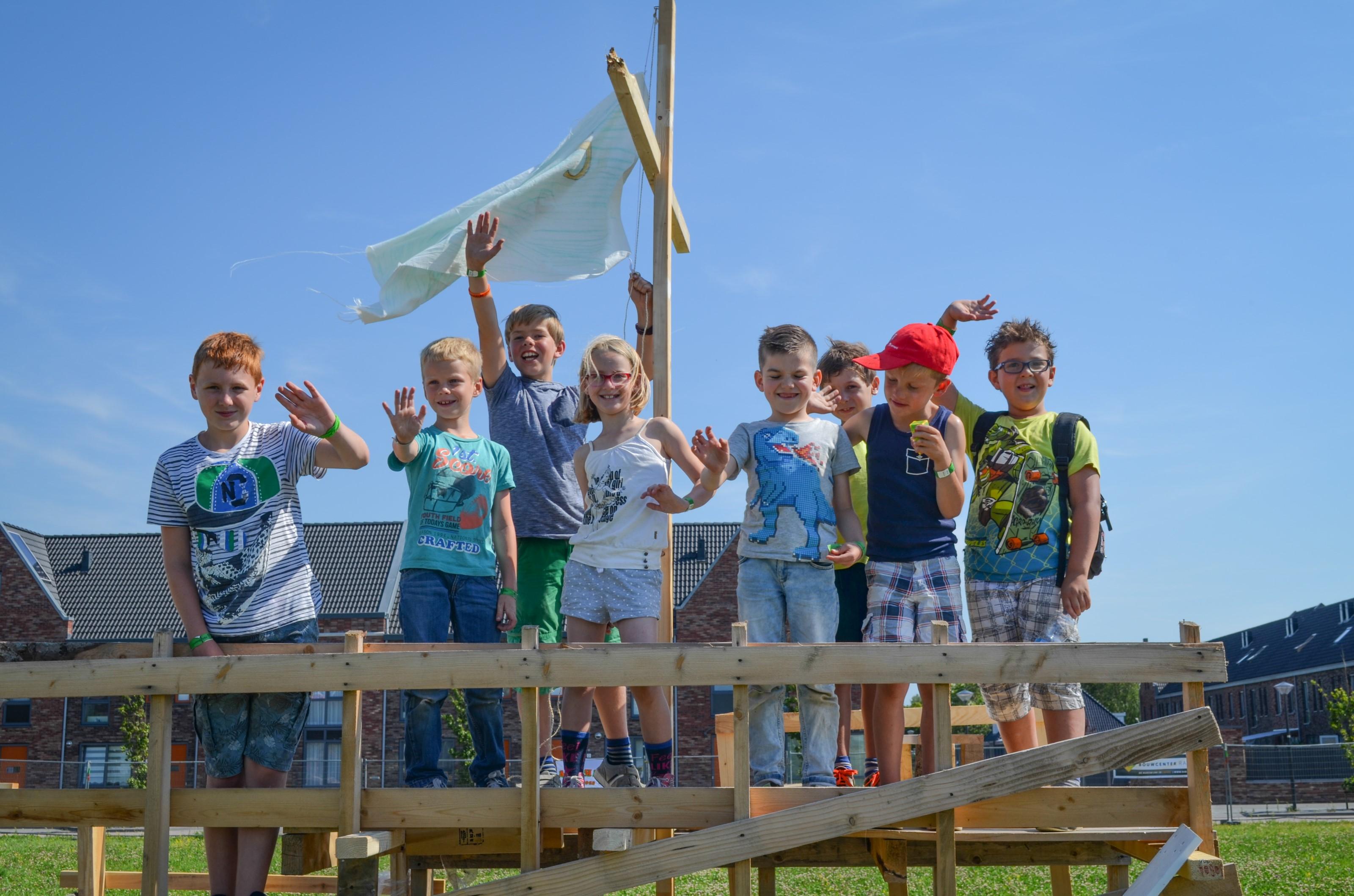 Eerste huttenbouw van start in Bangert en Oosterpolder [+video+foto's]