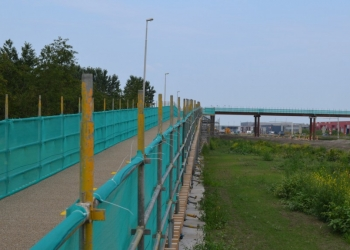 Met fietsbrug over N23 Westfrisiaweg naar Zwaag(dijk)