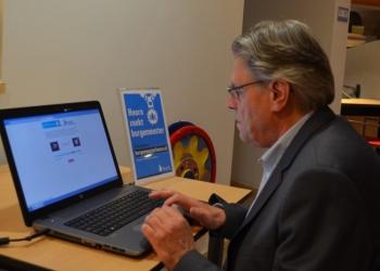 Zoektocht burgemeester Hoorn; Modern via App maar ook gewoon 1.0