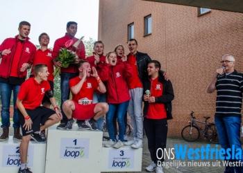 Mooi bedrag door Westfriesgasthuis lopers voor Tweestrijd [+fotos]