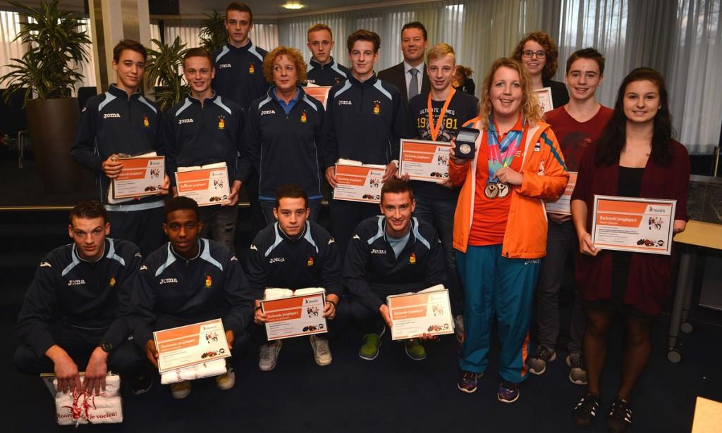 Onderscheiding voor zeventien Hoornse sporters