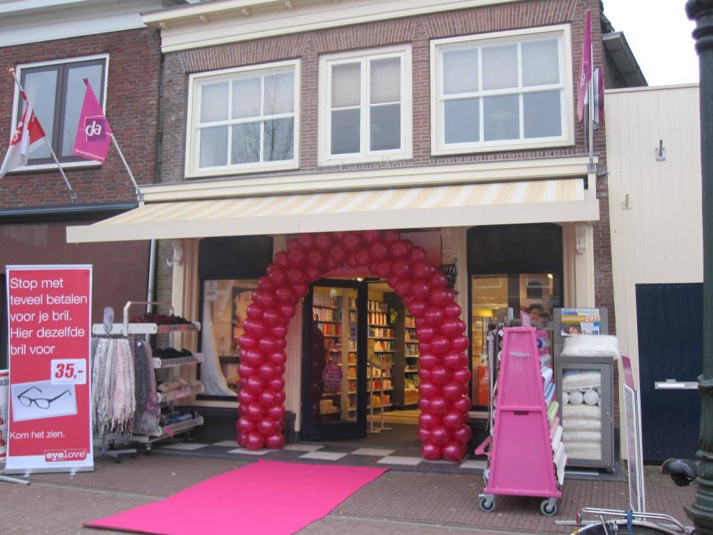 Eigenaar DA winkel Medemblik stelt klanten gerust