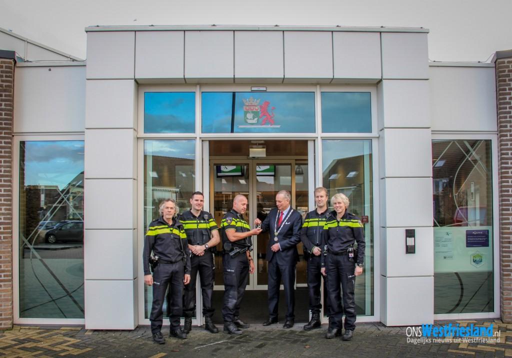 Burgemeester Posthumus verwelkomt politiesteunpunt