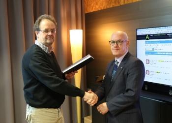 Burgemeester Van der Riet plaatst oude archieven Venhuizen online