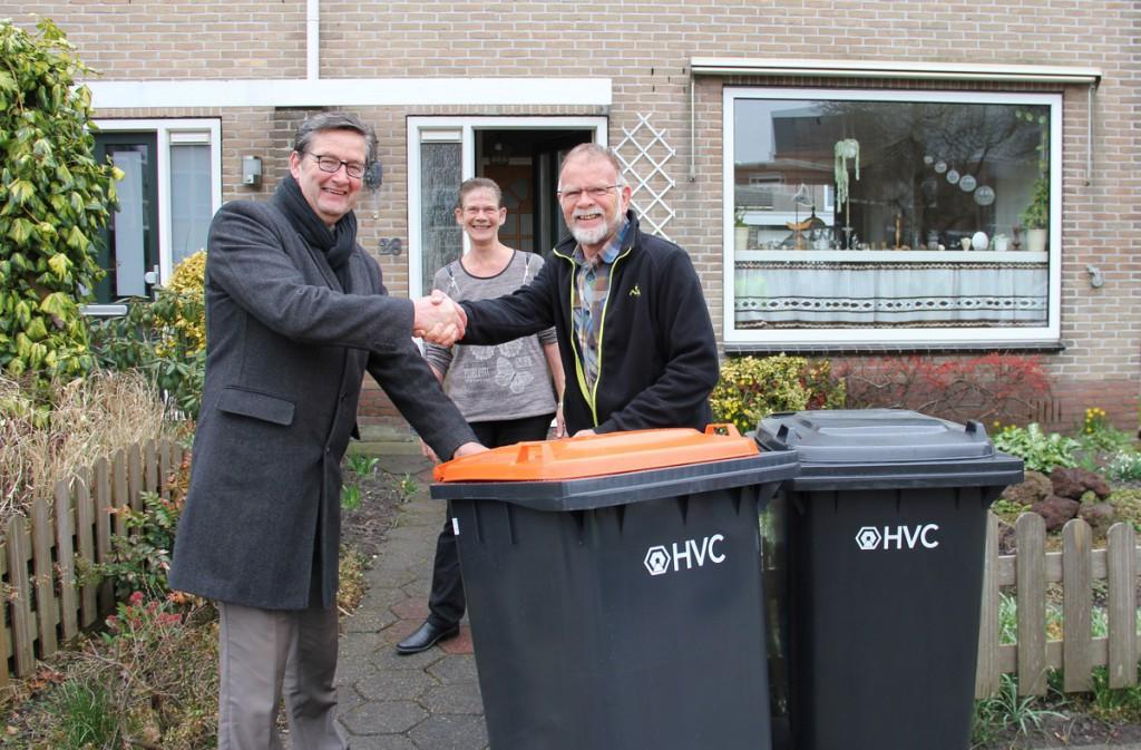 Eerste afvalcontainer voor plastic geleverd in Koggenland