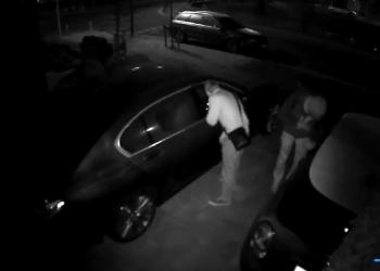 Auto inbrekers Bangert en Oosterpolder betrapt op video