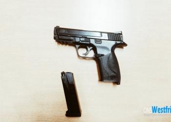 Politie houdt duo onder schot na tip van wapenbezit