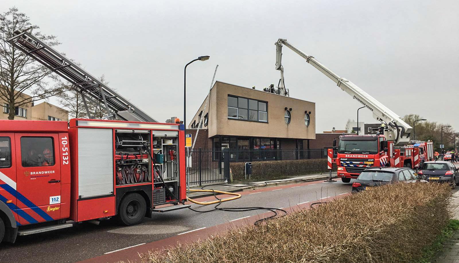 Brand op dak Het Spectrum. Foto Weeff