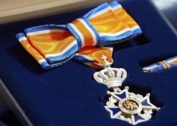 Tien koninklijke onderscheidingen en lintjes in Enkhuizen