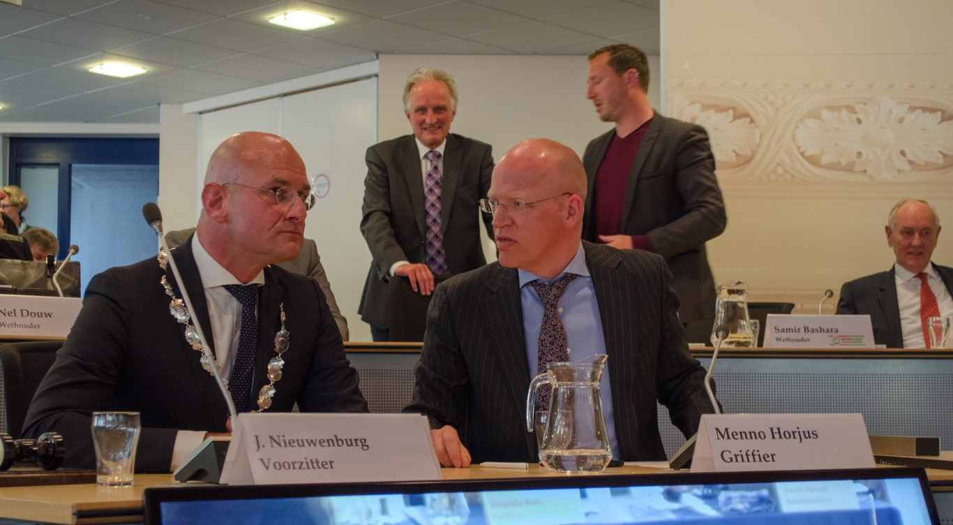 Nieuwe burgemeester Jan Nieuwenburg houdt Hoorn op koers
