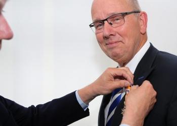 Koninklijke onderscheiding voor JanWillem Breukink van Incotec