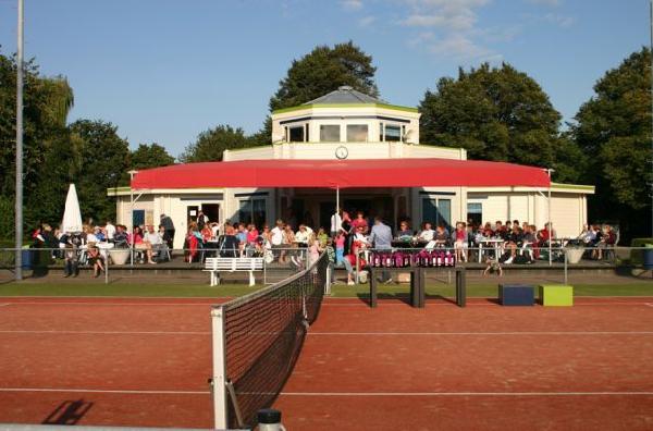 'Hoogkarspelse Tennisclub Santana na renovatie als eerste op matchclay'