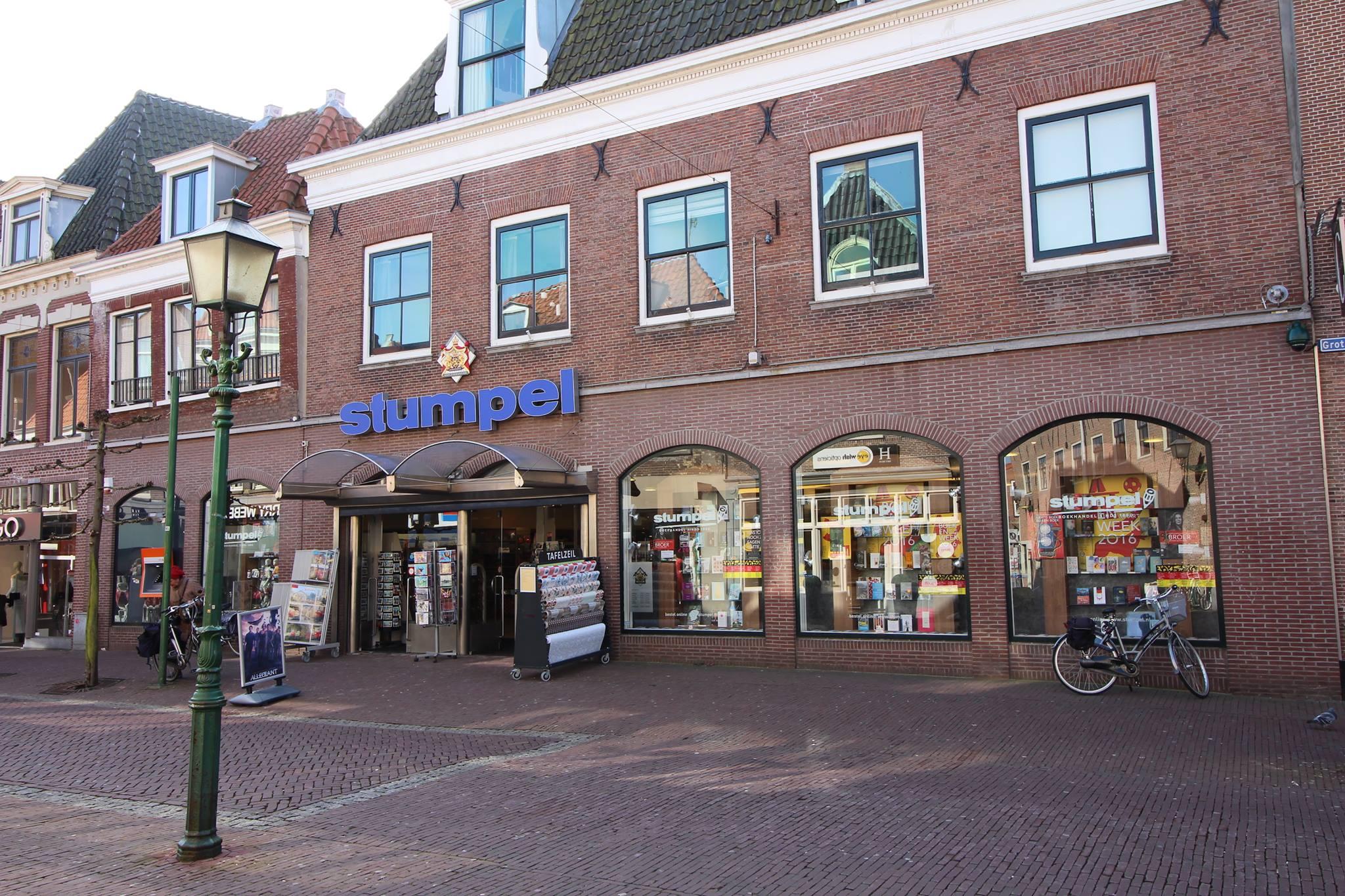 Koffiecorner Boek&Boon in boekwinkel Stumpel Grote Noord