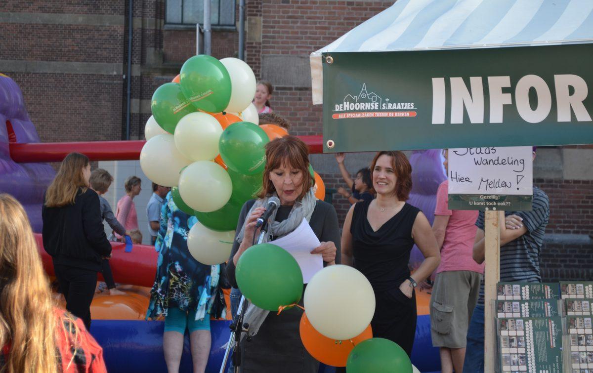 De Hoornse Straatjes met zestig winkels feestelijk gestart [video]