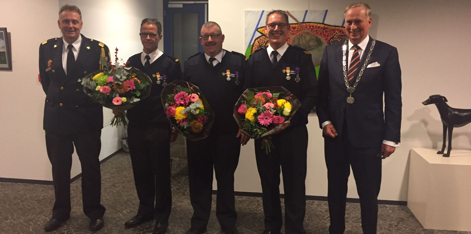 Koninklijke onderscheiding na 25 jaar vrijwillige brandweer Koggenland