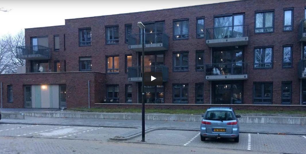 Lantarenpalen mysterie in Hoorn; waarom in parkeervak?