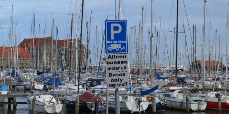 'Vanaf 1 maart 2017 geen touringcars meer in Hoornse binnenstad'
