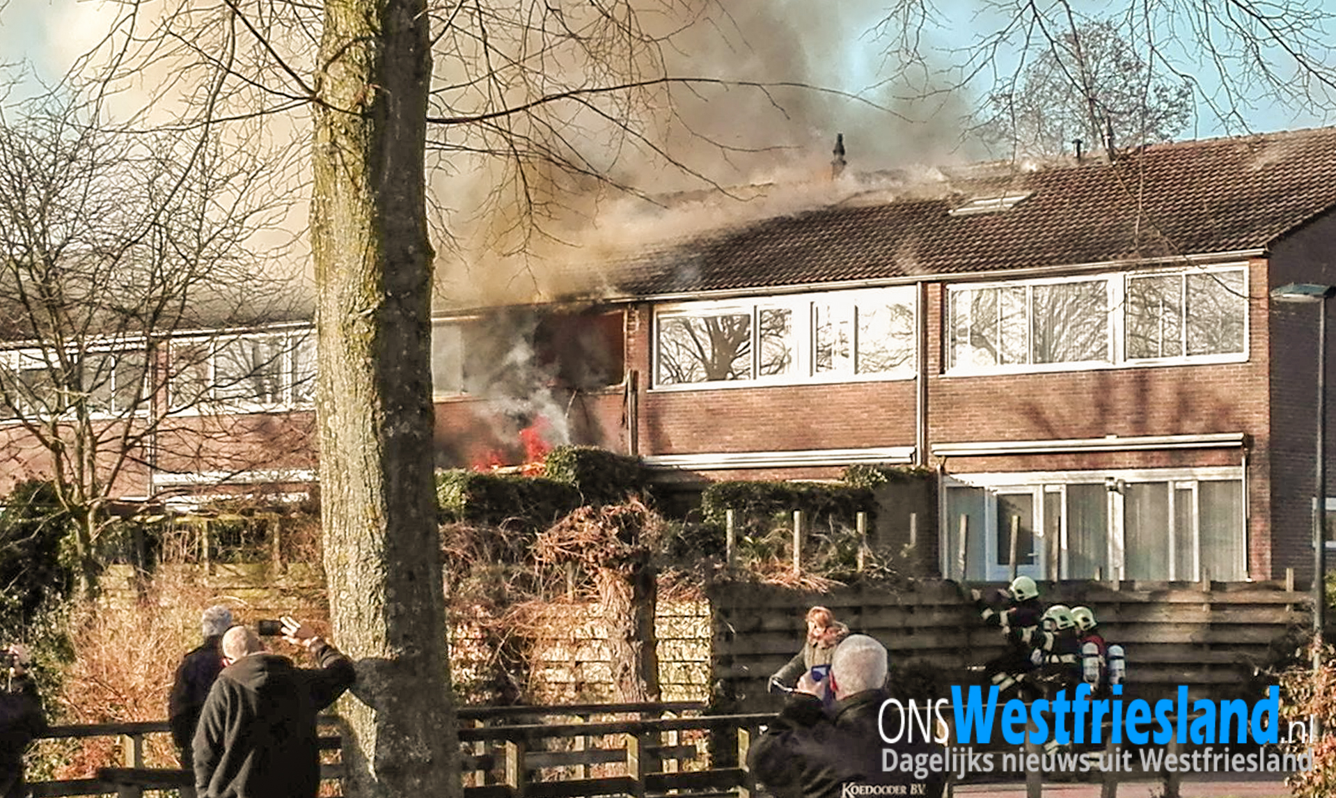 Grote uitslaande brand aan Schepenen in Hoorn; Lichaam gevonden (update)