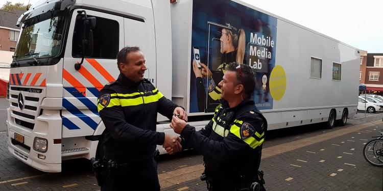 Mobile Lab politie voor meldingen overlast in Kersenboogerd