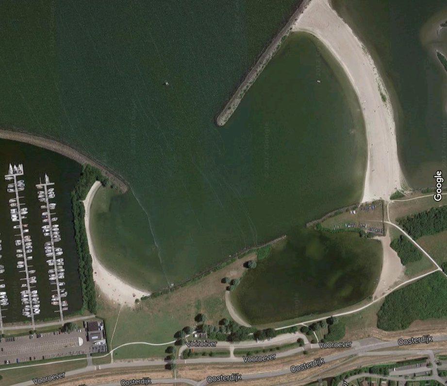 Strandpaviljoen op Vooroever Medemblik en nieuwe locatie Bestevaer